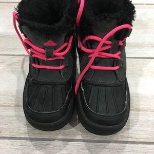 Girls ACG Nike boots size 11 very gently worn